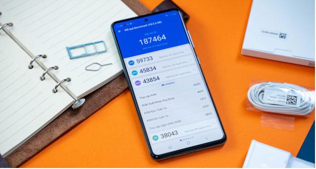 Điểm hiệu năng Galaxy A51 là 187.464 – Điểm số khá ấn tượng trên phần mềm Antutu