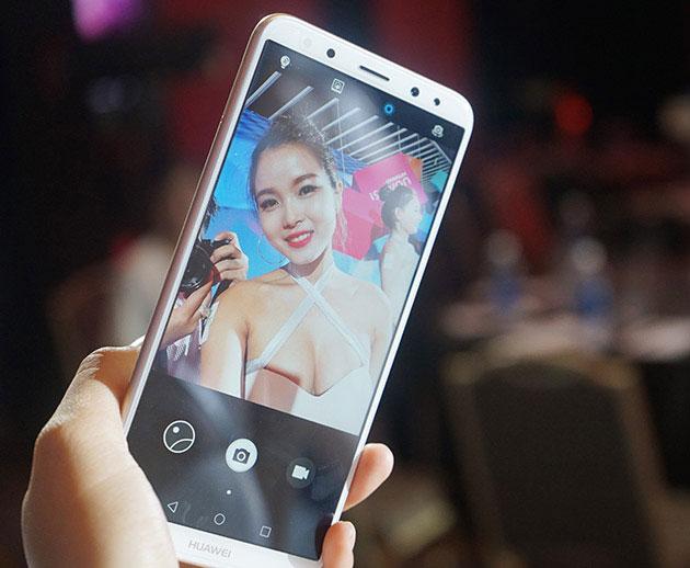 Đánh giá Huawei Nova 2i   Smartphone giá rẻ của Huawei (3)