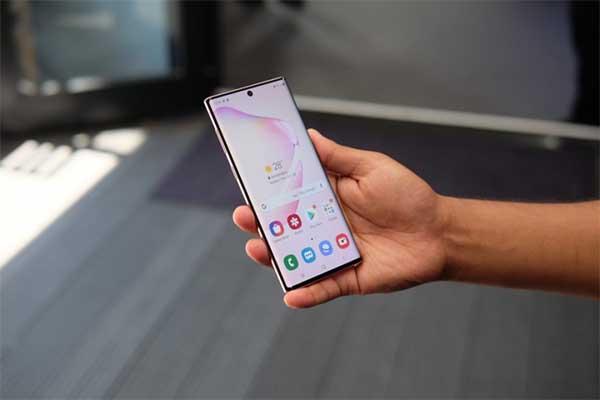 Galaxy Note 10+ sở hữu màn hình chiếm tới 91% diện tích mặt trước